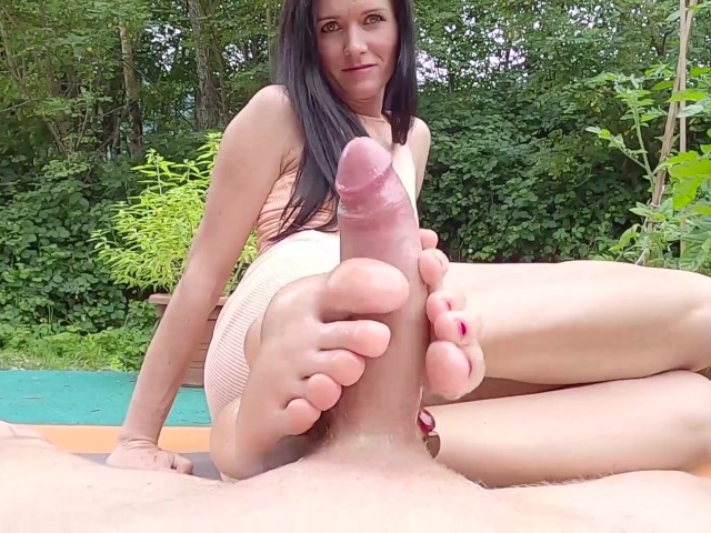 Free Footjobs Pictures photo 1
